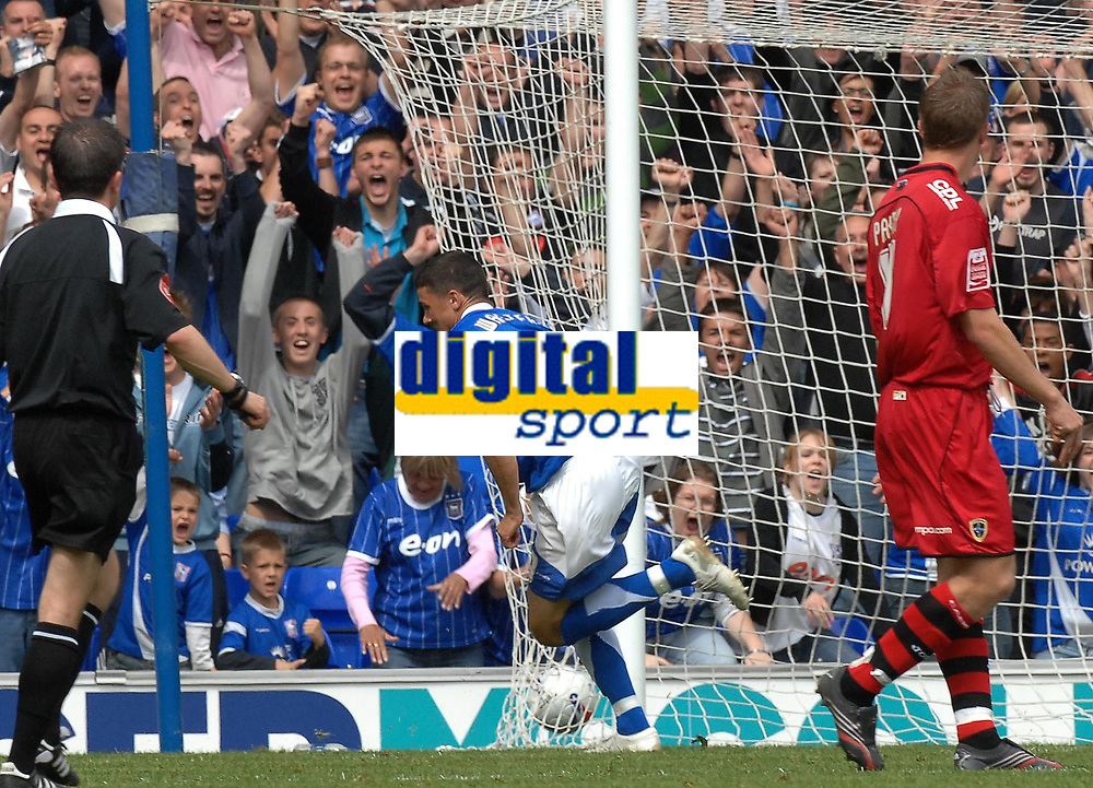 Photo: Ashley Pickering.<br /> Ipswich Town v Cardiff City. Coca Cola Championship. 06/05/2007.<br /> Ipswich's Jon Waters (no. 19) puts the ball in the back of the net to make it 2-1