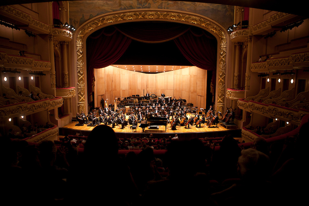 Rio de Janeiro_RJ, Brasil.<br /> <br /> Theatro Municipal do Rio de Janeiro. Foto da apresentacao da orquestra filarmonica de Minas Gerais.<br /> <br /> The Theatro Municipal (Municipal Theatre) of Rio de Janeiro. In this photo Philharmonic Orchestra of Minas Gerais.<br /> <br /> Foto: LUIZ FELIPE FERNANDES / NITRO