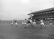 Neg No:.558/7546-7649...1081954AISFCSF...01.08.1954..All Ireland Senior Football Championship - Semi-Final.Meath.1-5.Cavan.0-7..