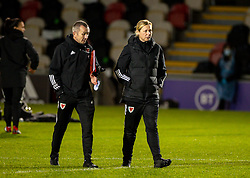 NEWPORT, WALES - Thursday, October 22, 2020: Wales' national women's team manager Jayne Ludlow (R) and goalkeeping coach Jon Horton during the UEFA Women's Euro 2022 England Qualifying Round Group C match between Wales Women and Faroe Islands Women at Rodney Parade. Wales won 4-0. (Pic by David Rawcliffe/Propaganda)