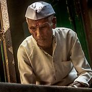 2016 10 17 Rishikeshi Uttarakhand India<br /> Porträtt av en indisk man <br /> <br /> ----<br /> FOTO : JOACHIM NYWALL KOD 0708840825_1<br /> COPYRIGHT JOACHIM NYWALL<br /> <br /> ***BETALBILD***<br /> Redovisas till <br /> NYWALL MEDIA AB<br /> Strandgatan 30<br /> 461 31 Trollhättan<br /> Prislista enl BLF , om inget annat avtalas.