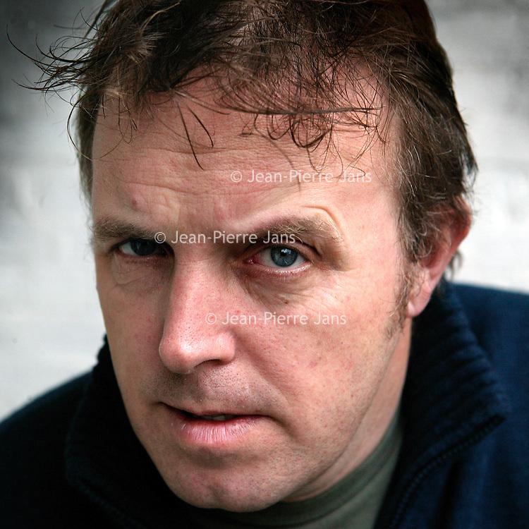Nederland. amsterdam.2 december 2003..Popzanger Bob Fosko van Raggende Mannen.