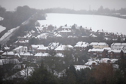 © Licensed to London News Pictures. 11/12/2017. Amersham, UK. A general view of Amersham covered in snow. Yesterday parts of the south east of England experienced heavy snow, with the home counties experiencing some of the worst conditions. Photo credit : Tom Nicholson/LNP