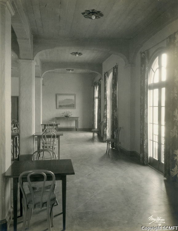 1926 East corner of the dining room at the Hollywood Studio Club on Lodi Pl.