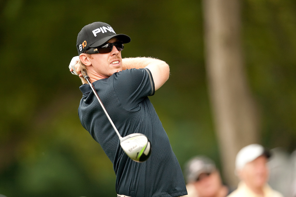 FARMINGDALE, NY - JUNE 19:  Hunter Mahan hits his tee shot during the continuation of the third round of the 109th U.S. Open Championship on the Black Course at Bethpage State Park on Sunday, June 21, 2009. (Photograph by Darren Carroll) *** Local Caption *** Hunter Mahan