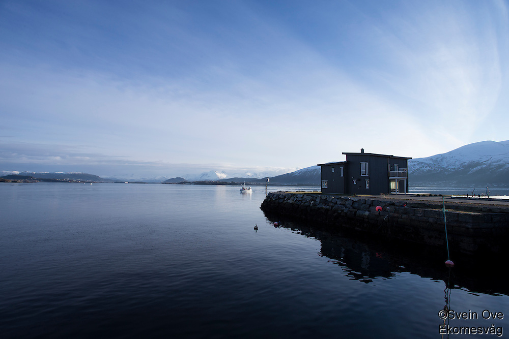 Hus på Slinningsodden med design som minner om et fuglebur.<br /> Foto: Svein Ove Ekornesvåg