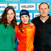 NLD/Amsterdam/20180119 - Inloop premiere Hyena's op het IJs, Suzanne Schulting en ouders