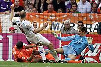 ◊Copyright:<br />GEPA pictures<br />◊Photographer:<br />Dominic Ebenbichler<br />◊Name:<br />Koller<br />◊Rubric:<br />Sport<br />◊Type:<br />Fussball<br />◊Event:<br />Euro 2004, Europameisterschaft, EM, Tschechien vs Niederlande, CZE vs NED<br />◊Site:<br />Aveiro, Portugal<br />◊Date:<br />19/06/04<br />◊Description:<br />Jan Koller (CZE), Wlfred Bouma (NED), Edwin van der Saar (NED)<br />◊Archive:<br />DCSDE-190604725<br />◊RegDate:<br />19.06.2004<br />◊Note:<br />8 MB - RL/ RL -  Gemaess UEFA keine Nutzungsrechte für Mobiltelefone, PDAs und MMS- Dienste - no MOBILE - no PDAs - no MMS