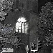 NLD/Bussum/19881004 - Uitslaande brand Vituskerk Brinklaan Bussum