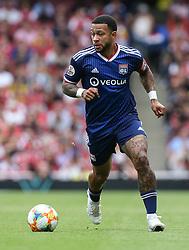 Memphis Depay of Lyon on the ball - Mandatory by-line: Arron Gent/JMP - 28/07/2019 - FOOTBALL - Emirates Stadium - London, England - Arsenal v Olympique Lyonnais - Emirates Cup