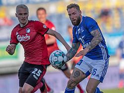 Emil Nielsen (Lyngby Boldklub) og Victor Nelsson (FC København) under kampen i 3F Superligaen mellem Lyngby Boldklub og FC København den 1. juni 2020 på Lyngby Stadion (Foto: Claus Birch).