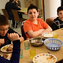 Cantine de La Chaumiere, Maison d'enfants à caractere social. Vilcey-sur-Trey (54), France. 10 mars 2010. Photo : Antoine Doyen