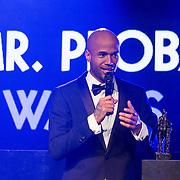 NLD/Amsterdam//20140331 - Uitreiking Edison Pop 2014, Mr. Probz met zijn Award