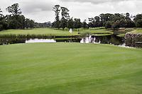 STAFFAN (Ierland) - K CLUB bij Dublin, de golfbaan waar in 2006 de Ryder Cup wordt gespeeld. Hole 16.