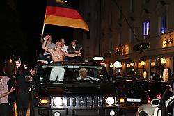 23.06.2010, Leopoldstrasse Schwabing, Muenchen, GER, FIFA Worldcup, Fanfeier nach Ghana vs Deutschland,  im Bild Fans im Autokorso, EXPA Pictures © 2010, PhotoCredit: EXPA/ nph/  Straubmeier / SPORTIDA PHOTO AGENCY