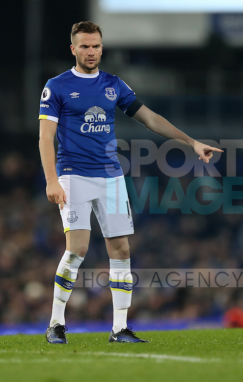 Tom Cleverley of Everton during the Premier League match at Goodison Park, Liverpool. Picture date: December 4th, 2016.Photo credit should read: Lynne Cameron/Sportimage