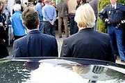 Prinses Máxima bezoekt Buurtvereniging Hoofdstraat-Noord in Gasselternijveen. Deze buurtvereniging organiseert verschillende sociale activiteiten rondom een cultuurhistorische perenbomenrij in de straat. In mei 2012 won de buurtvereniging een Appeltje van Oranje. ///// Princess Máxima visits the neighborhood association in Gasselternijveen. This neighborhood association organizes various social activities around a historic pear row of trees in the street. In May 2012 won the neighborhood association Apple of Orange.<br /> <br /> Op de foto/ On the photo: