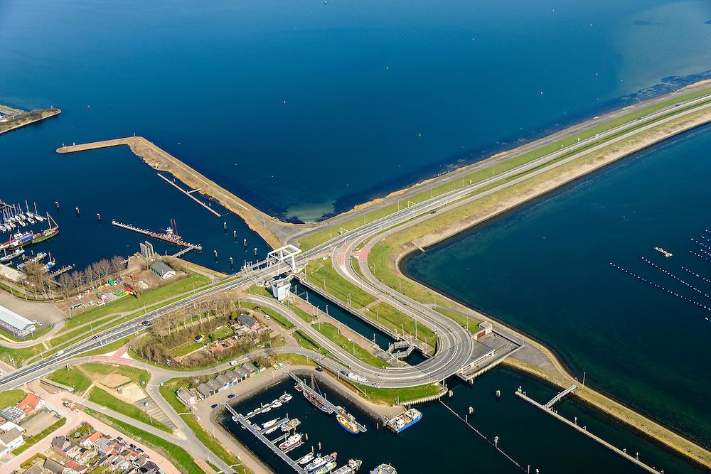 Nederland, Zeeland, Gemeente Schouwen-Duiveland, 01-04-2016; Bruinsse, Grevelingendam en met Grevelingensluis. Links van de dam het water het Grevelingenmeer, rechts het Krammer. Grevelingendam is onderdeel van de Deltawerken.<br /> The Grevelingendam is part of the Delta Works.<br /> <br /> luchtfoto (toeslag op standard tarieven);<br /> aerial photo (additional fee required);<br /> copyright foto/photo Siebe Swart