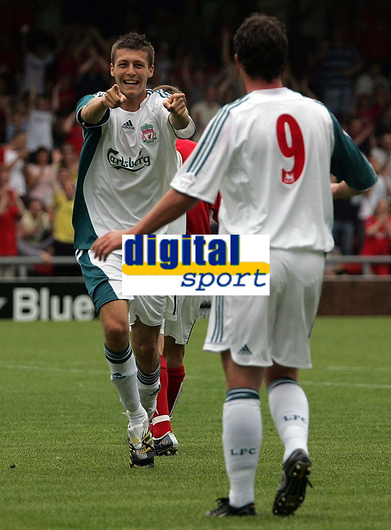 Photo: Paul Thomas.<br /> Crewe Alexandra v Liverpool. Pre Season Friendly. 22/07/2006.<br /> <br /> Goal scorer Craig Lindfield of Liverpool (L) celebrates with Robbie Fowler.