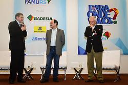 O Pres. da Famurs, Seger Menegaz com o candidato ao governo do Estado José Ivo Sartori e seu vice José Paulo Cairoli durante o 34º Congresso de Municípios, no Plaza São Rafael, em Porto Alegre. FOTO: Jefferson Bernardes/ Agência Preview