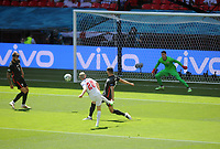 Football - 2021 EUFA European Championships - Finals - Group D - England vs Croatia, Wembley Stadium<br /> <br /> Ben Foden of England hits the post early in the game<br /> <br /> Credit : COLORSPORT/Andrew Cowie