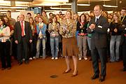 Princess Máxima has opend on March, 17 2006 the last day of the schoolproject on humanrights and migration in the  university of Utrecht with a speech .<br /> <br /> Prinses Máxima heeft op 17 maart 2006 de slotdag scholierenproject Mensenrechten en Migratie geopend.<br /> Hare Koninklijke Hoogheid Prinses Máxima opent vrijdag 17 maart aan de Universiteit Utrecht met een toespraak de slotdag van het Utrechtse scholierenproject Mensenrechten en Migratie.  Zij doet dit als voorzitter van het Curatorium van de Prins Claus Leerstoel
