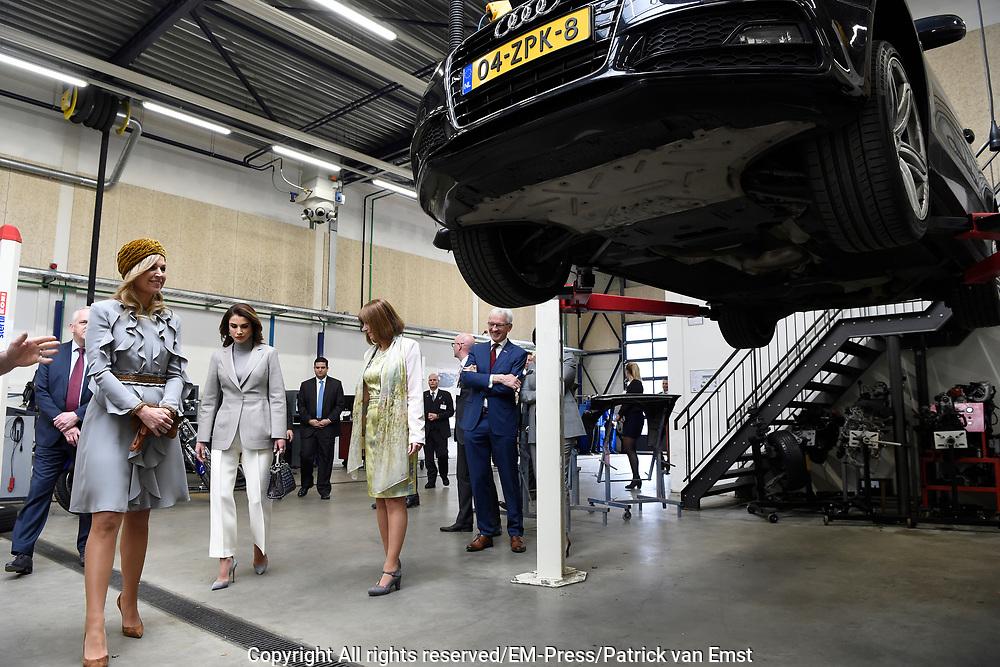 Officieel bezoek Jordanie aan Nederland - Dag 2<br /> <br /> Koningin Maxima en koningin Rania bezoeken het ROC Mondriaan <br /> <br /> Official visit Jordan to the Netherlands - Day 2<br /> <br /> Queen Maxima and Queen Rania visit the ROC Mondrian