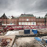 Nederland, 18 november 2009..Bouwput van het vernieuwde Stedelijk Museum op het Museumplein...Constructions site of the renovated Stedelijk Museum in Amsterdam.