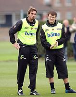 Photo. Daniel Hambury, Digitalsport<br />Trening Norge, foran Australia - Norge<br />15/11/2004.<br />John Arne Riise and Claus Lundekvam