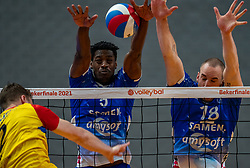 Jeroen Rauwerink of Dynamo, Jerome Cross of Lycurgus, Dennis Borst of Lycurgus in action during the cup final between Amysoft Lycurgus vs. Draisma Dynamo on April 18, 2021 in sports hall Alfa College in Groningen