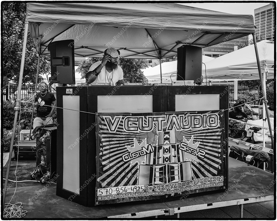 NEWARK, NEW JERSEY:  DJ Beloved spins on the ones and twos during Bang The Drum House Music a day in the park at Mulberry Commons in in Newark, NJ on Sunday, August 29, 2021. (Brian B Price/TheFotodesk).