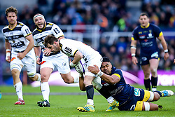 Arthur Retiere of La Rochelle is tackled Fritz Lee of ASM Clermont Auvergne - Mandatory by-line: Robbie Stephenson/JMP - 10/05/2019 - RUGBY - St James' Park - Newcastle, England - ASM Clermont Auvergne v La Rochelle - European Rugby Challenge Cup Final
