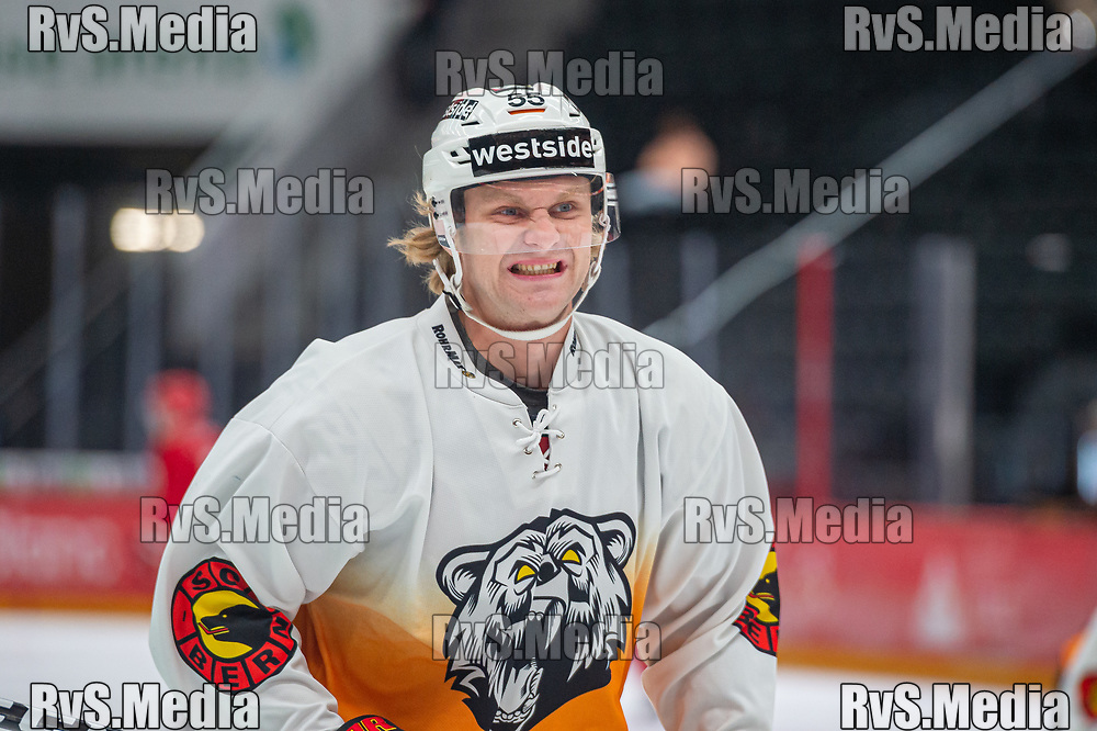 LAUSANNE, SWITZERLAND - SEPTEMBER 28: Calle Andersson #55 of SC Bern warms up prior the Swiss National League game between Lausanne HC and SC Bern at Vaudoise Arena on September 28, 2021 in Lausanne, Switzerland. (Photo by Monika Majer/RvS.Media)
