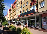Gołdap, 2008-07-11. Centrum Gołdapi, budynki mieszkalne przy Placu Zwycięstwa