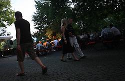 Sprehajalci na Gallusovem nabrezju v Ljubljani, Slovenija, 25.6.2008. (Photo by Vid Ponikvar / Sportal Images)..