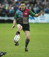 Photo: Ian Hebden.<br />Bedford Blues v Harlequins. National League Division 1.<br />03/12/2005.<br />Quins Gavin Duffy chips over the Bedford defence.