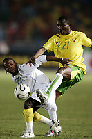 Fotball<br /> Foto: Dppi/Digitalsport<br /> NORWAY ONLY<br /> <br /> FOOTBALL - AFRICAN CUP OF NATIONS 2006 - FIRST ROUND - GROUP B - 060121 - TOGO v RC CONGO<br /> <br /> ZOLA MATUMONA (CON) / ZANZAN ATTE OUDEYI (TOGO)