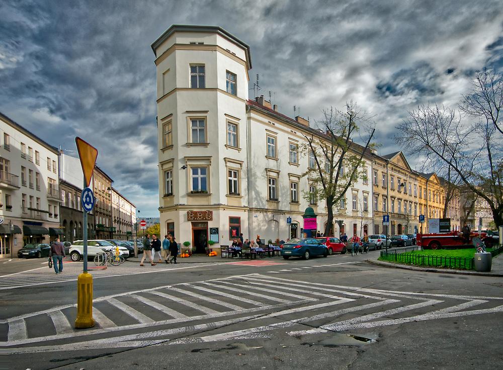 Ulica Mostowa na krakowskim Kazimierzu, łącząca plac Wolnica z biegnącą wzdłuż Wisły z ul. Podgórską.