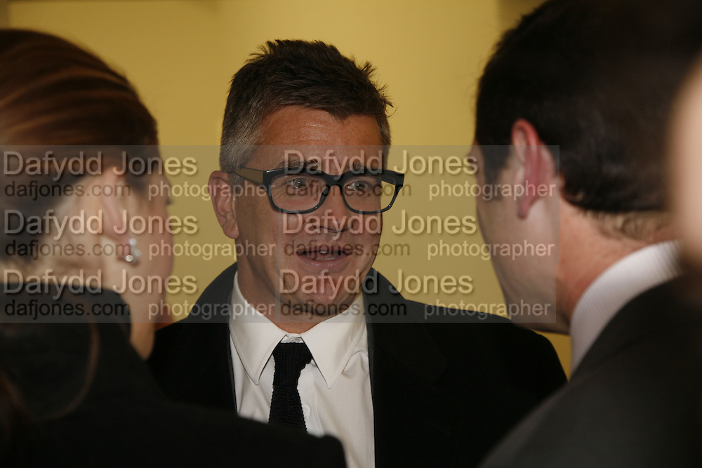 Jay Jopling, Ellsworth Kelly exhibition opening. Serpentine Gallery and afterwards at the River Cafe. London. 17 March 2006. ONE TIME USE ONLY - DO NOT ARCHIVE  © Copyright Photograph by Dafydd Jones 66 Stockwell Park Rd. London SW9 0DA Tel 020 7733 0108 www.dafjones.com