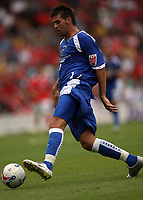 Photo: Rich Eaton.<br /> <br /> Barnsley v Cardiff City. Coca Cola Championship.<br /> <br /> 05/08/2006. Cardiffs goalscorer Joe Ledley on the ball