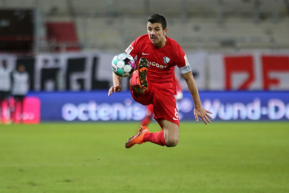 Fussball: 2. Bundesliga, FC St. Pauli - VFL Bochum, Hamburg, 28.01.2021<br /> Anthony Losilla (Bochum)<br /> © Torsten Helmke