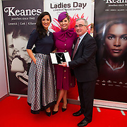 09.10.2016           <br /> Aidan Liddy, Keanes Jewellers presents The winner of the Keanes Jewellers Best dressed competition at Limerick Racecourse, Sharon Kennedy (centre) of Clareview Limerick who won a diamond pendent to the value of €4,000 also pictured is Lisa McGowan, Lisa's Lust (left). Picture: Alan Place