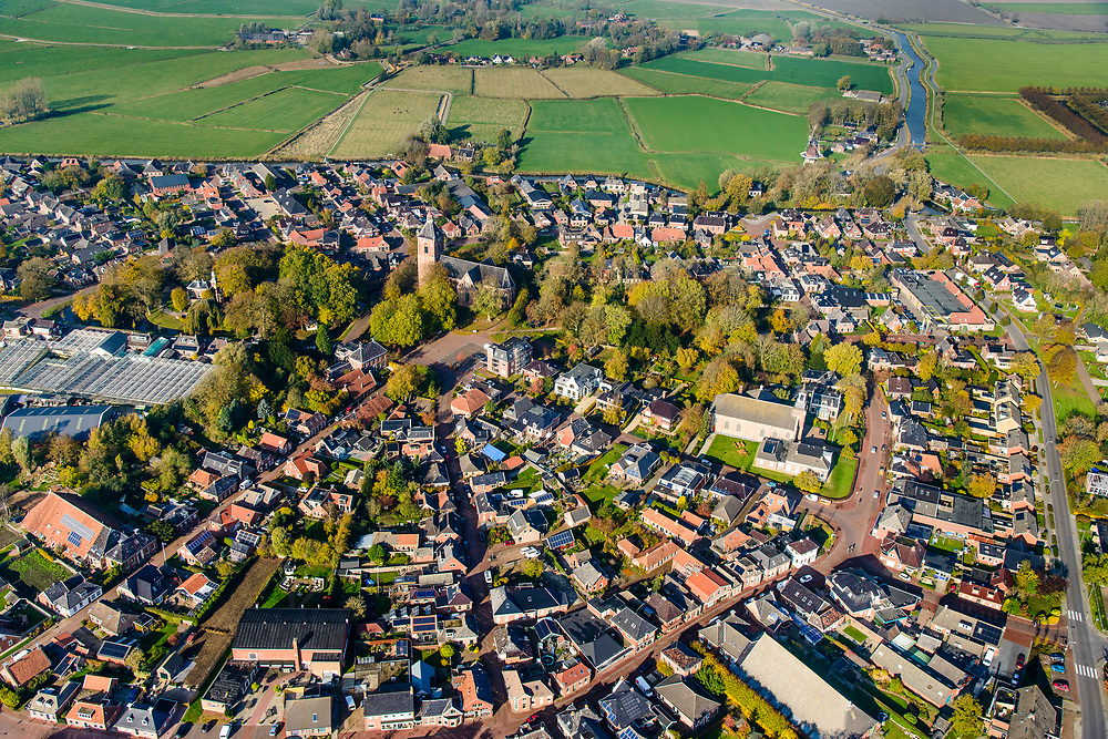 Nederland, Groningen, Middelstum, 04-11-2018;  Dorp en landelijk gebied getroffen door aardbeving ten gevolge van de gaswinning door de NAM.<br /> Village and rural areas affected by earthquake as a result of gas extraction by NAM.<br /> luchtfoto (toeslag op standaard tarieven);<br /> aerial photo (additional fee required);<br /> copyright© foto/photo Siebe Swart