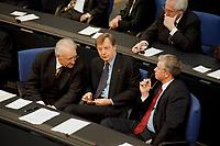19.04.1999, Deutschland/Berlin:<br /> Edmund Stoiber, CSU, Ministerpräsident Bayern, Eberhard Diepgen, CDU, Bürgermeister Berlin, und Roland Koch, Ministerpräsident Hessen, Eröffnungssitzung des Deutschen Bundestages im Reichstag, Berlin<br /> IMAGE: 19990419-01/05-22
