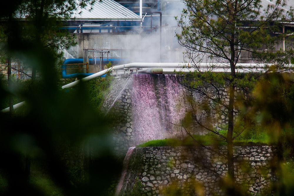 Toxic industrial wastes illegally dumped into the Citarum River by Gistex, a direct distributor to GAP clothing.  Jelegong village, Kabupaten Bandung...Credit: Andri Tambunan for Greenpeace