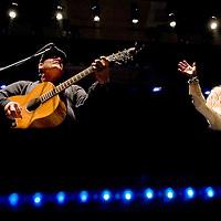 111712       Cable Hoover<br /> <br /> Kim Carnes and her guitarist Greg Barnhill perform at El Morro Theatre in Gallup Saturday.