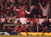Fotball<br /> Premier League England 2004/2005<br /> Foto: BPI/Digitalsport<br /> NORWAY ONLY<br /> <br /> Arsenal v Chelsea<br /> FA Barclays Premiership, Highbury 12/12/04<br /> <br /> Arsenal's Thierry Henry celebrates his second goal.