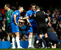 Photo: Ed Godden.<br />Chelsea v Everton. The Barclays Premiership. 17/04/2006.<br />Chelsea's Frank Lampard (L) and John Terry confront Ref Rob Styles.