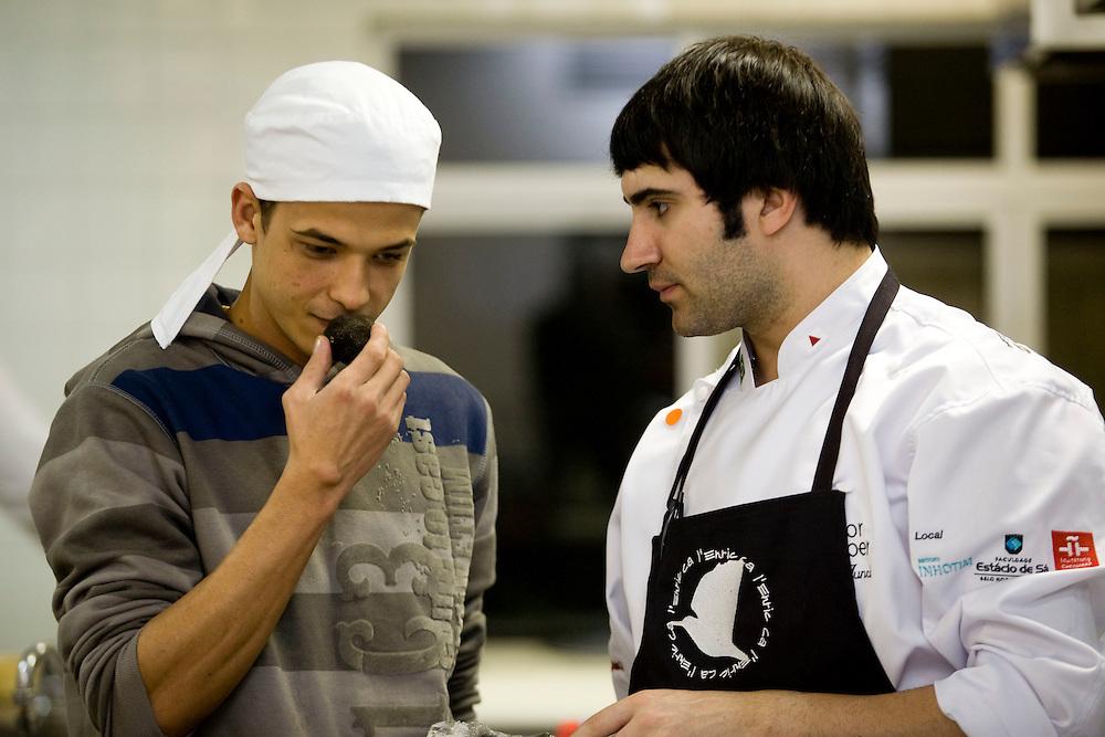 Belo Horizonte_MG, Brasil...Chef de cozinha Jordi Junca cozinhando para o festival de gastronomia Sabor e Saber...The chef Jordi Junca cooking for the gastronomy festival Sabor e Saber...FOTO: BRUNO MAGALHAES / NITRO