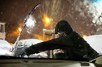 Bialystok, 16.01.2021. Gwaltowny atak zimy, w ciagu paru godzin przybylo kilkanascie centymetrow sniegu N/z odsniezanie samochodu fot Michal Kosc / AGENCJA WSCHOD